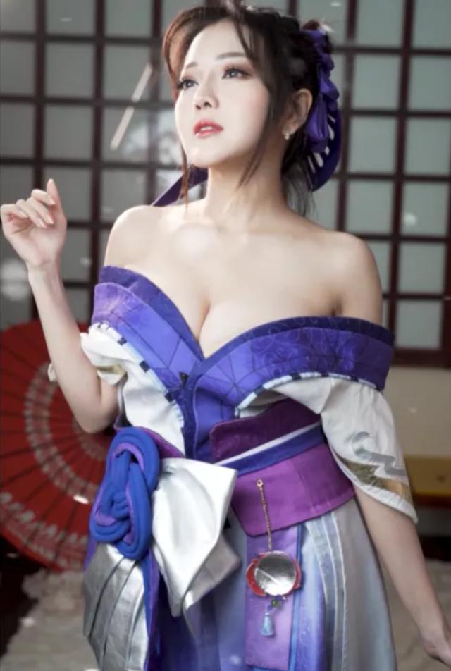 Mỹ nữ cosplay tướng game: Nóng bỏng, quyến rũ, gấp nhiều lần bản gốc! - Ảnh 4.