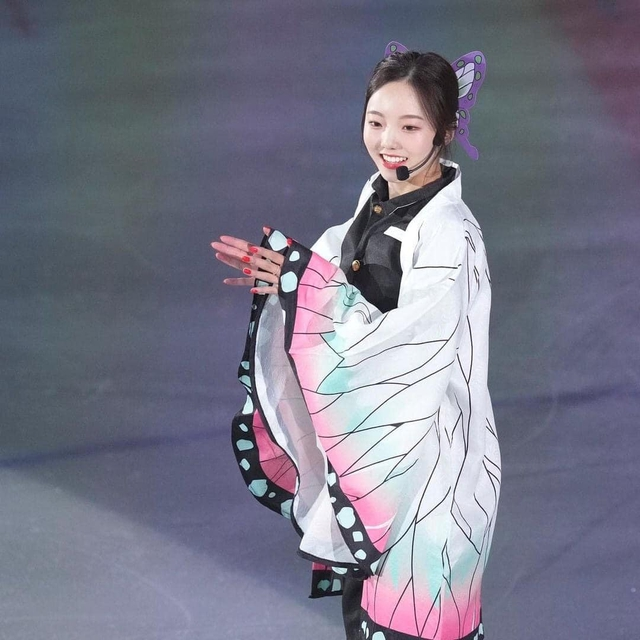 Thánh nữ trượt băng Nhật Bản cosplay Điệp Trụ trong Kimetsu no Yaiba - Ảnh 4.