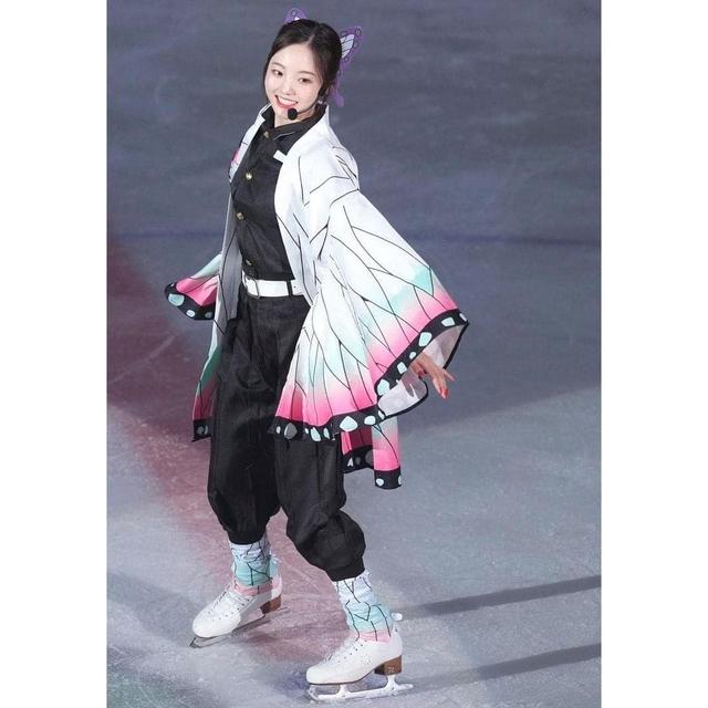 Thánh nữ trượt băng Nhật Bản cosplay Điệp Trụ trong Kimetsu no Yaiba - Ảnh 5.