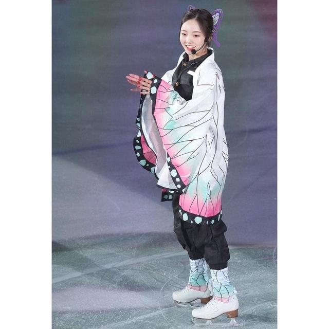 Thánh nữ trượt băng Nhật Bản cosplay Điệp Trụ trong Kimetsu no Yaiba - Ảnh 6.