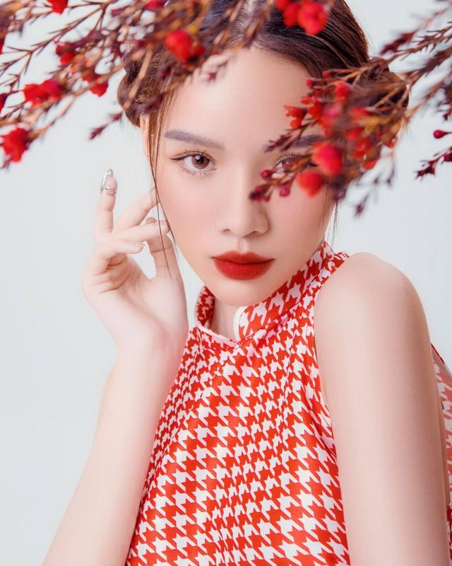 Hút cả triệu view sau màn lột xác từ vịt bầu thành hot girl, cô gái Việt khiến CĐM xôn xao, tìm kiếm info ráo riết - Ảnh 7.