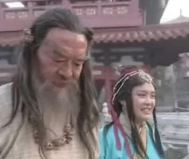 """TOP 4 nhân vật """"ảo tưởng sức mạnh"""" nhất trong truyện Kim Dung Photo-1-16304763486611614251356-1630476376828913534910"""