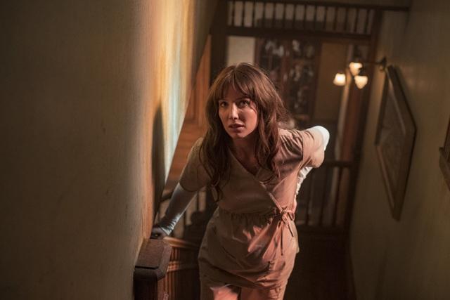 Siêu phẩm kinh dị mới do James Wan đạo diễn tiếp tục khiến khán giả nổi gai ốc vì những phân cảnh nặng đô - Ảnh 10.