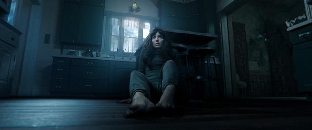 Siêu phẩm kinh dị mới do James Wan đạo diễn tiếp tục khiến khán giả nổi gai ốc vì những phân cảnh nặng đô - Ảnh 3.
