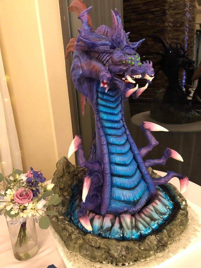 Quá đam mê LMHT, một nữ game thủ quyết định dùng bánh Baron phiên bản nặng hơn 45kg làm bánh cưới - Ảnh 4.
