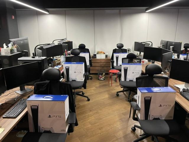 Giới thiệu thành công game Project Eve, CEO Shift Up chi gần 3 tỷ để mua PS5 ship tận bàn tặng cho nhân viên - Ảnh 5.