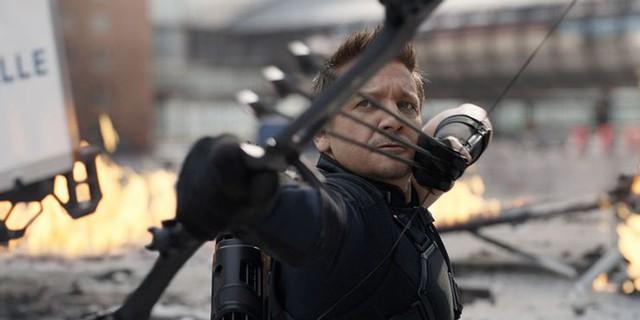 Marvel Studio tung trailer series Hawkeye, giới thiệu nữ cung thủ cực xinh kế nhiệm Clint Barton - Ảnh 4.