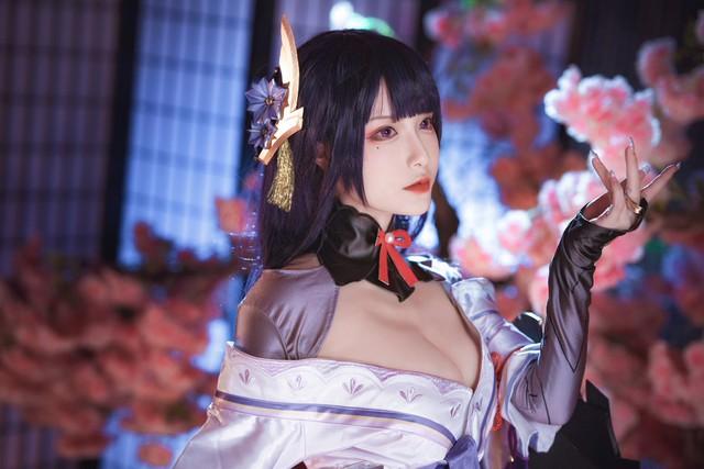 Đã mắt với loạt ảnh cosplay Raiden Shogun đẹp hơn cả bản gốc trong Genshin Impact - Ảnh 1.