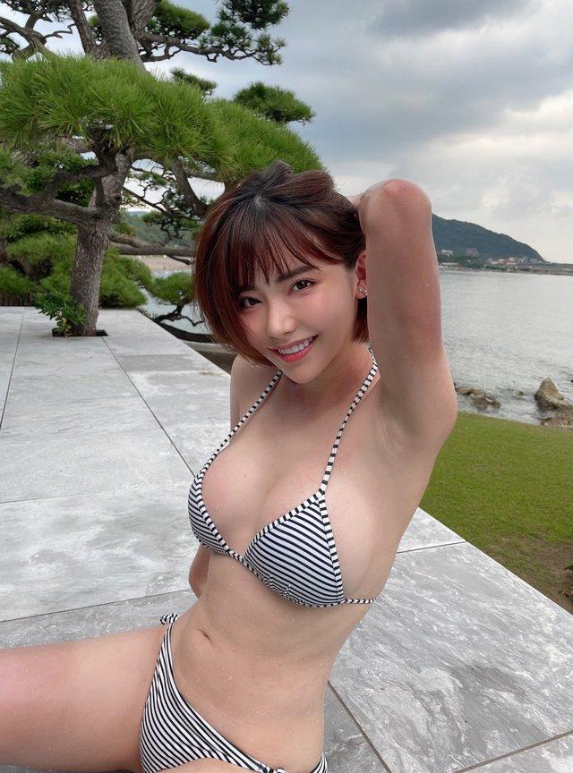 So sánh thu nhập giữa Yua Mikami và Ken Shimizu Photo-1-16318601042112063784188