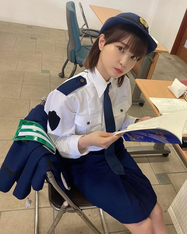 Nữ cảnh sát làm cư dân mạng xao xuyến vì quá quyến rũ Photo-1-1632487516288476107470