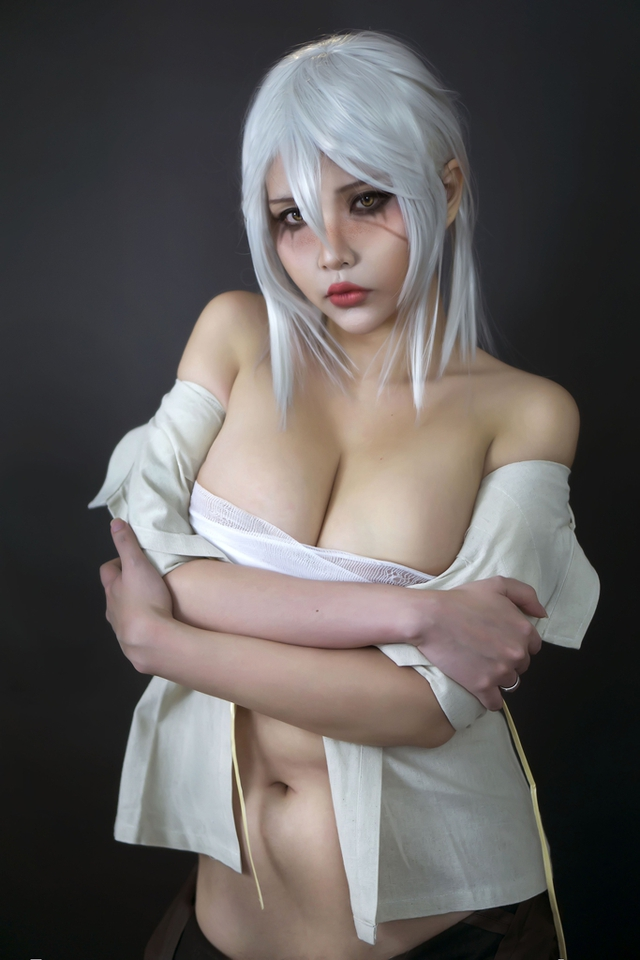 The Witcher: Ngắm cosplay Ciri chân dài gợi cảm và quyến rũ Photo-1-1631070817385169547745