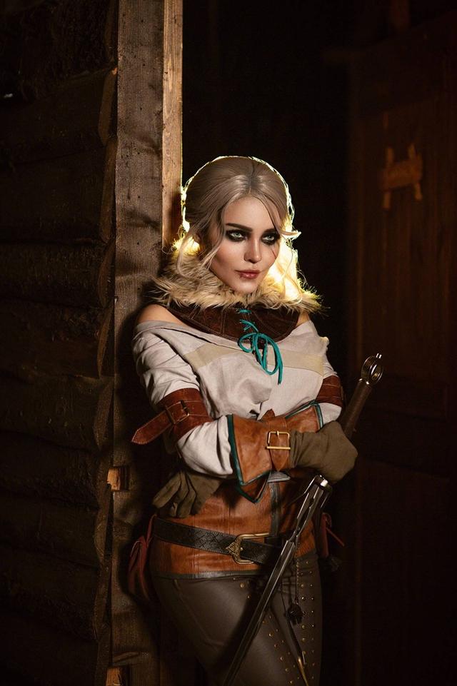 The Witcher: Ngắm cosplay Ciri chân dài gợi cảm và quyến rũ Photo-1-1631070950532398786150