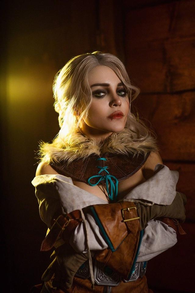 The Witcher: Ngắm cosplay Ciri chân dài gợi cảm và quyến rũ Photo-1-16310709654562076293455