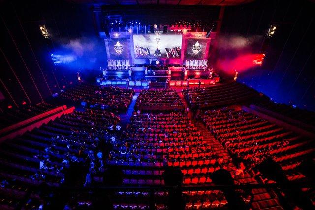 Sân khấu hoành tráng của Garena Throne of Glory 2017