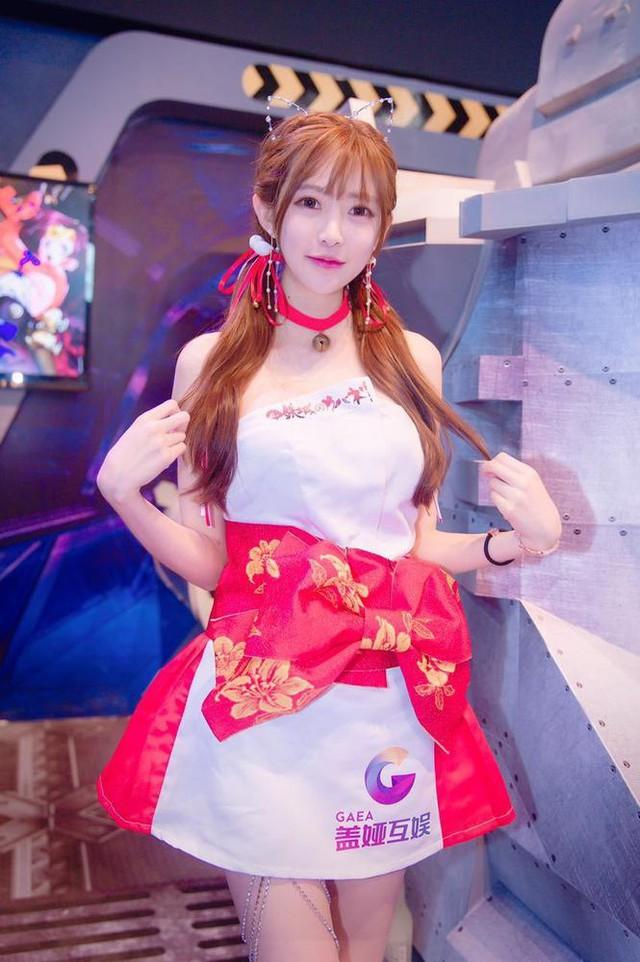 Nhiều fan hâm mộ đã nhận xét trên mạng xã hội Weibo rằng Vương Vũ Sam chính là nữ thần tại sự kiện ChinaJoy 2017 năm nay.