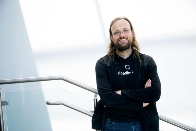Người sáng lập Cydia, Jay Freeman, nói rằng bạn không nên jailbreak những chiếc iPhone nữa.