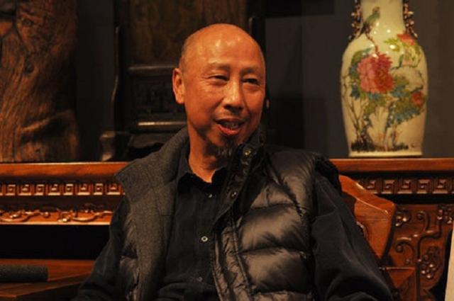 Nhà văn Huỳnh Dị