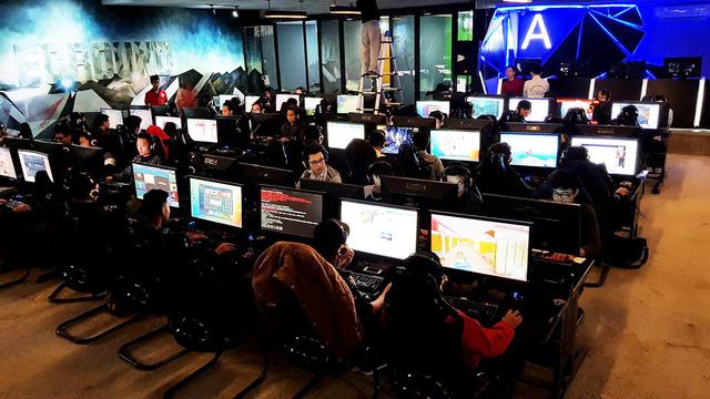 Trong buổi sáng, có gần 100 game thủ PUBG đã đến và tham gia bắn solo do BTC tạo custom.
