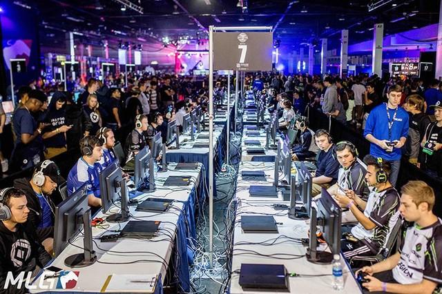 Giải đấu ngày càng thu hút nhiều người hâm mộ và số đội tham dự