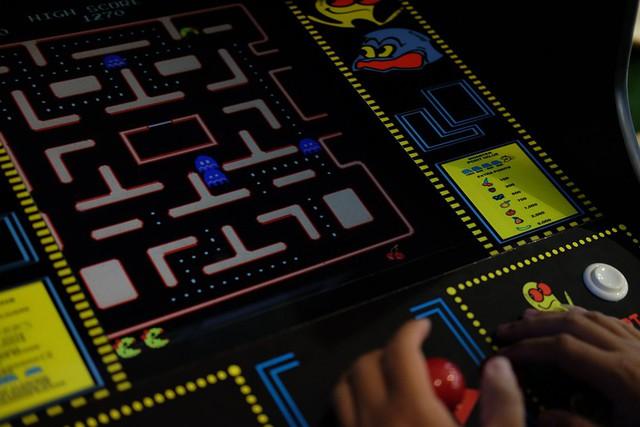 Nếu chán chơi điện tử 4 nút có thể chuyển sang điện tử xèng, không mất tiền chơi đâu nhé!