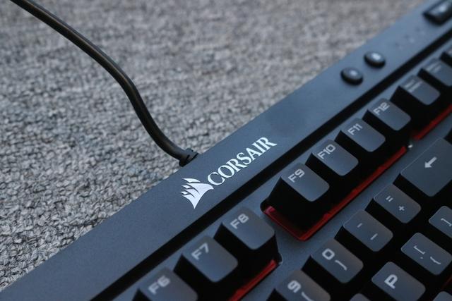 Corsair K68 - Bàn phím cơ chống bụi chống nước hoàn hảo, giá 2,8 triệu Đồng