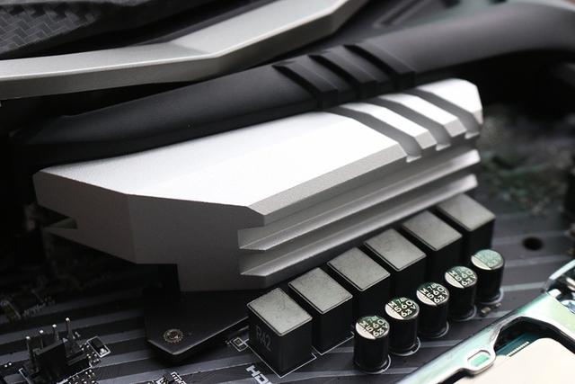 MSI Z370 Gaming Pro Carbon AC: Cận cảnh bo mạch chủ dành cho game thủ chuyên nghiệp, đèn LED RGB ở khắp mọi nơi