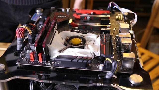 Nhiệt độ của CPU toả ra có thể rán trứng được, bạn có tin không?