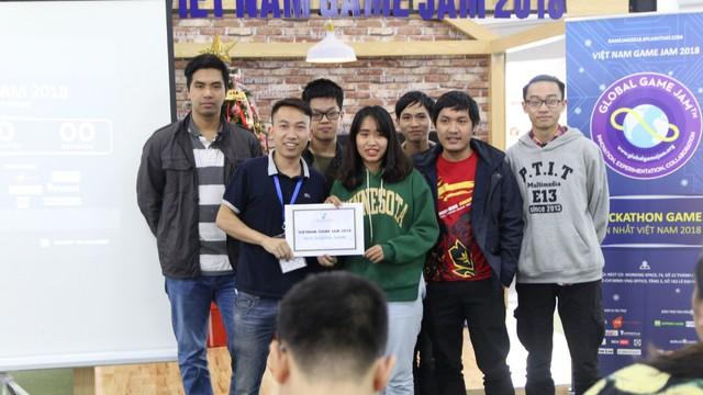 Hơn 200 người tham gia sáng tạo game trong vòng 36 giờ tại Việt Nam Game Jam 2018