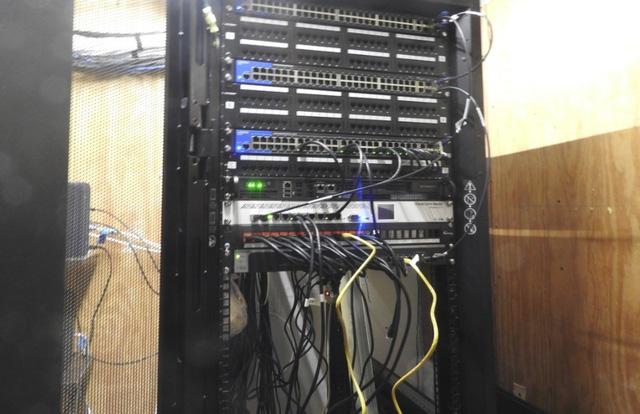 Hệ thống mạng nội bộ và trực tuyến của trung tâm luôn được đảm bảo tối đa