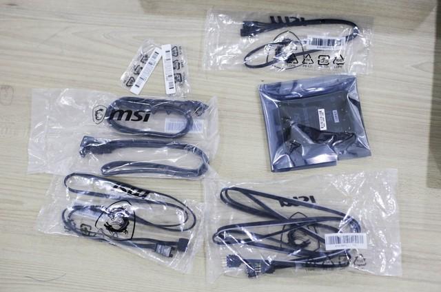 Đập hộp bộ đôi Z390 Gaming Plus và Gaming Pro Carbon của MSI: Vẫn khủng nhưng giá cực mềm, rất đáng mua - Ảnh 11.