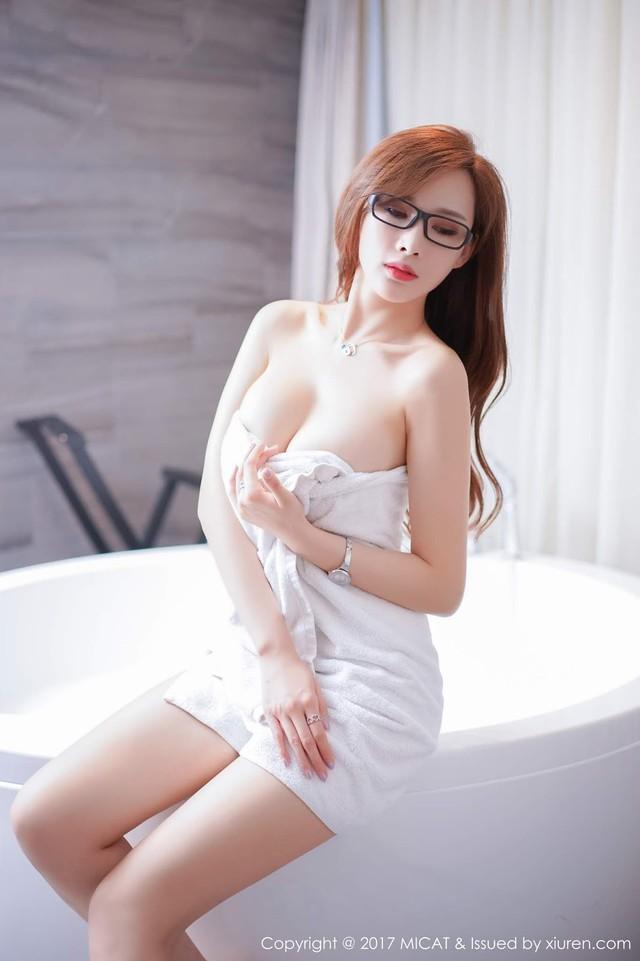Mềm nhũn trước loạt ảnh nóng bỏng đầy khiêu khích của siêu mẫu Zhou Yan Xi - Ảnh 5.