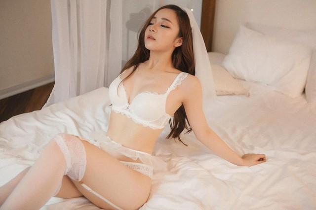 Bỏng mắt với bộ ảnh nội y Thiên thần - Ác quỷ mới toanh của hot girl ngủ gật Thủy Tiên - Ảnh 5.