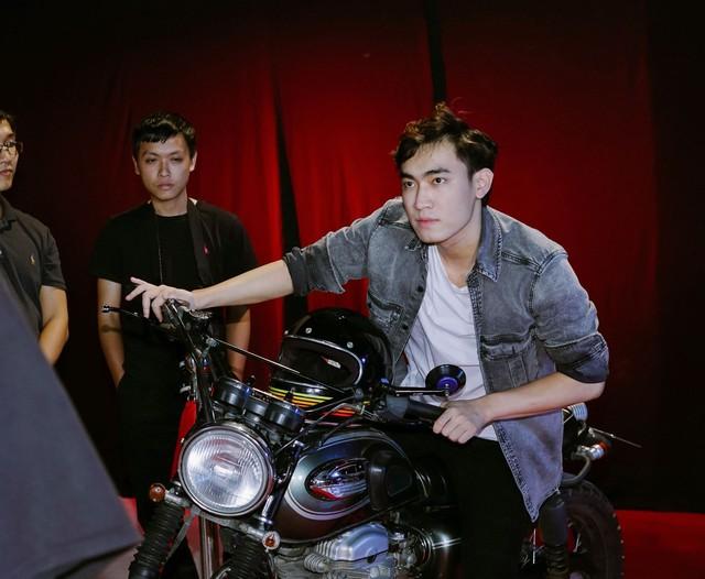 Chết cười với hình ảnh quý tộc và siêu ngầu của QTV, Levi, thầy Ba trong trailer Siêu sao đại chiến Việt Nam - Ảnh 4.