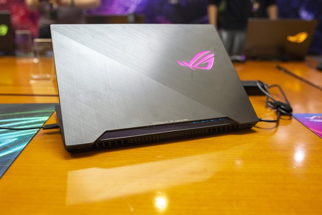 Đánh giá chi tiết laptop Gaming ROG Strix Scar II GL504: Vô địch trong phân khúc cận cao cấp - Ảnh 1.