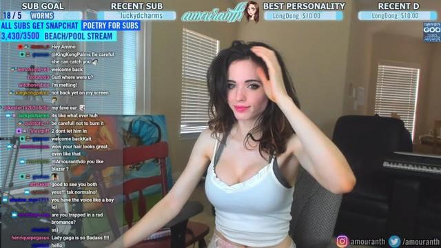 Bạn đã biết gì về Amouranth - nữ streamer sexy và nóng bỏng bậc nhất trên Twitch - Ảnh 1.