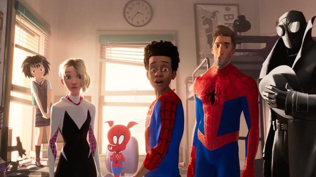 Người Nhện: Vũ Trụ Mới xác lập kỷ lục doanh thu mở màn phim hoạt hình cao nhất tháng 12 - Ảnh 2.