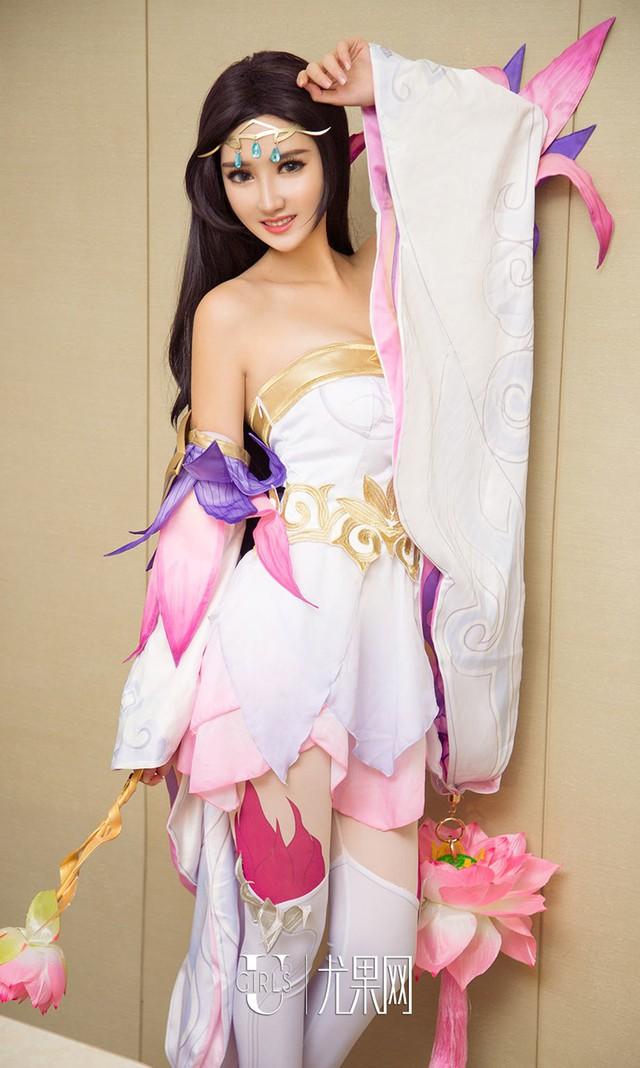 Thư giãn cuối tuần với bộ cosplay nóng chảy mỡ của Zi Shu Luo - Ảnh 5.