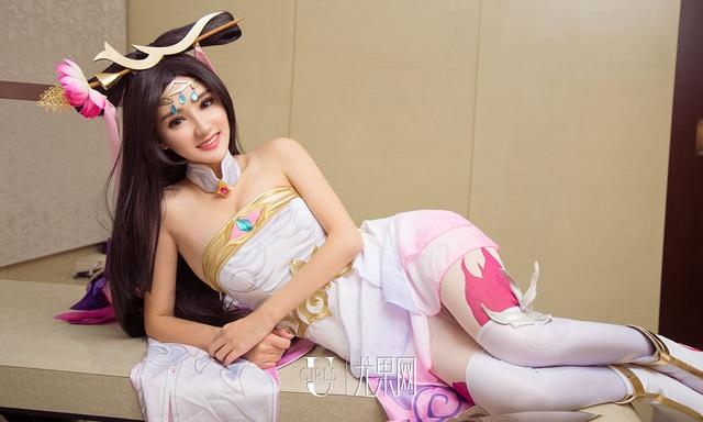 Thư giãn cuối tuần với bộ cosplay nóng chảy mỡ của Zi Shu Luo - Ảnh 34.