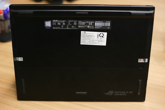 Trải nghiệm Asus ROG Zephyrus S GX531 - Laptop gaming mỏng nhẹ vẫn mạnh mẽ chiến game khỏe như trâu - Ảnh 12.