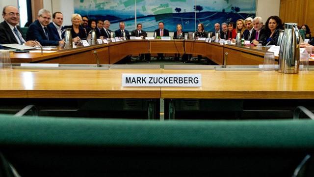 """Tài liệu tuyệt mật của Facebook chính thức bị công bố, tiết lộ """"danh sách trắng"""" và email của CEO Mark Zuckerberg - Ảnh 2."""