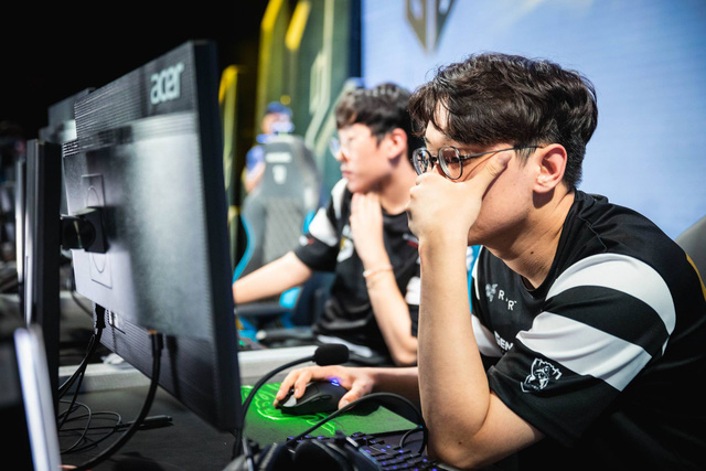 LMHT: Thoát kiếp Sắt Đoàn, CoreJJ đánh giá leo rank ở máy chủ Bắc Mĩ còn khó hơn cả rank Hàn - Ảnh 3.