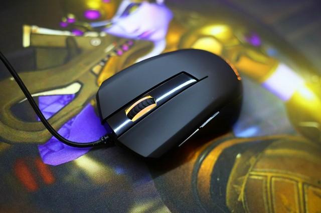 i-Rocks M09 Plus RGB - Chuột chơi game đẹp mắt giá rất 'bình dân'