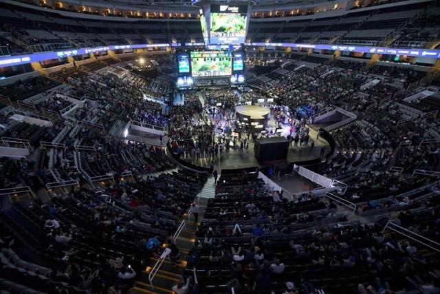 Sân khấu hoành tráng nơi diễn ra Intel Extreme Masters
