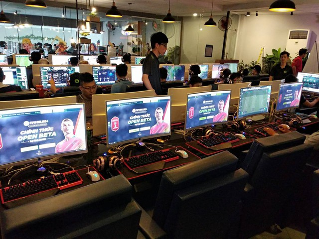Một khu vực trải nghiệm FIFA ONLINE 4 tại TP.HCM
