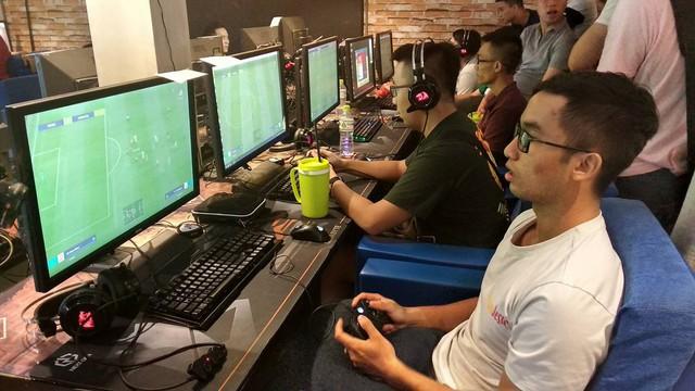 """Có nhiều thanh niên số """"Nhọ"""" đang thi đấu bị """"Disconnect"""" Gamepad"""
