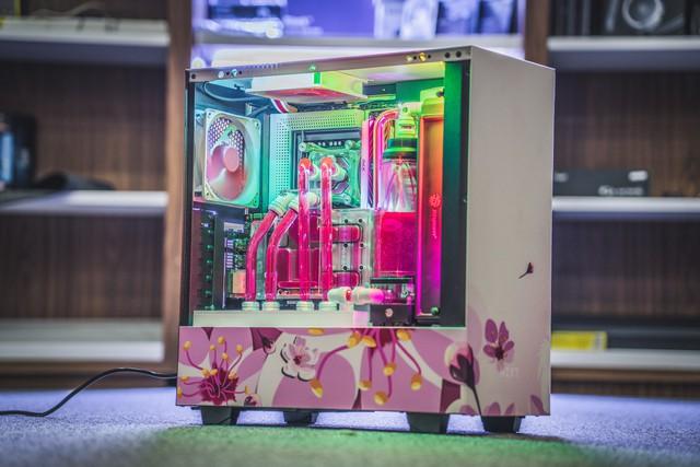 Nữ game thủ Việt xinh xắn và bộ máy tính hoa anh đào đẹp ngất ngây - Ảnh 6.