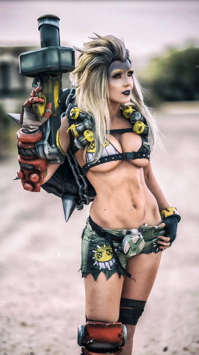 5 nữ nghệ sĩ cosplay kiếm tiền giỏi nhất trên thế giới, ai cũng gợi cảm và quyến rũ đốt mắt người xem - Ảnh 10.
