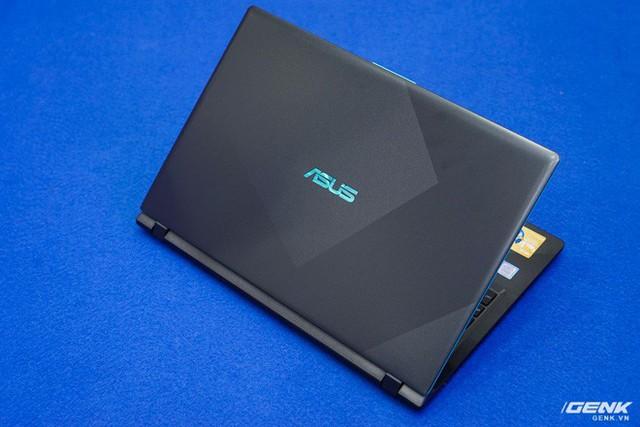 Cận cảnh laptop chơi game Asus F560 giá rẻ cho học sinh, sinh viên: GTX 1050, viền mỏng NanoEdge, sạc nhanh 50% trong 39 phút - Ảnh 1.
