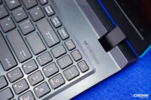 Cận cảnh laptop chơi game Asus F560 giá rẻ cho học sinh, sinh viên: GTX 1050, viền mỏng NanoEdge, sạc nhanh 50% trong 39 phút - Ảnh 10.