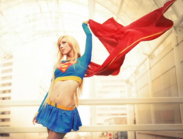 Cùng ngắm nhìn những màn cosplay Supergirl bỏng mắt từ dàn mỹ nhân trên khắp thế giới - Ảnh 4.